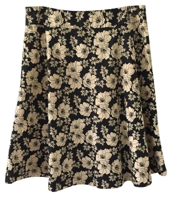 Preload https://item1.tradesy.com/images/gap-black-and-white-floral-a-line-knee-length-skirt-size-14-l-34-3886840-0-0.jpg?width=400&height=650