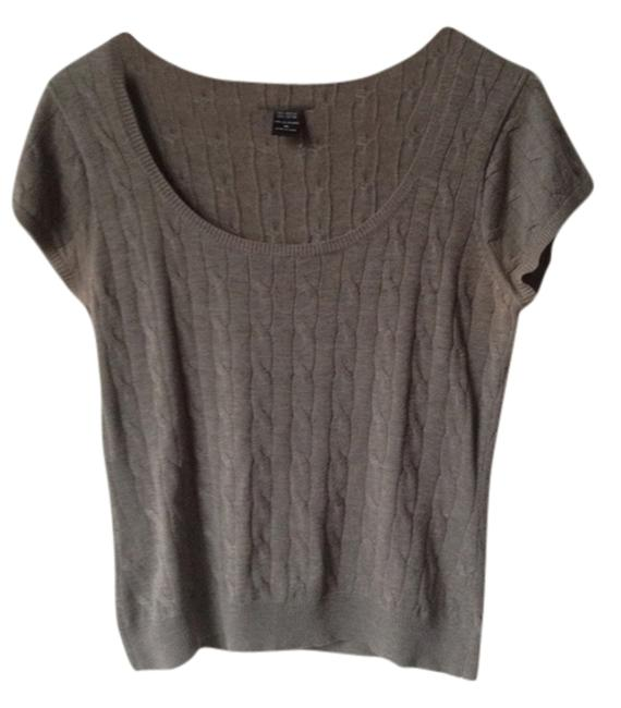Preload https://item1.tradesy.com/images/new-york-and-company-grey-sweaterpullover-size-8-m-3886870-0-0.jpg?width=400&height=650