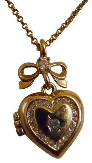 Juicy Couture Juicy Couture rhinestone heart locket