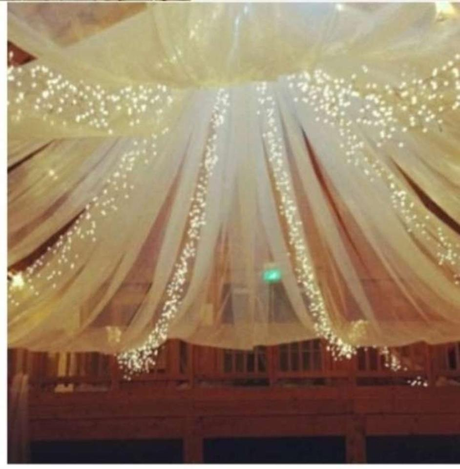 White Tulle 7 Bolts Reception Decoration