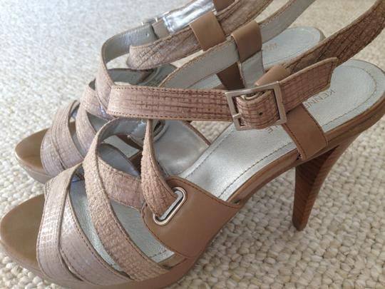 Kenneth Cole Reaction Beige Sandals