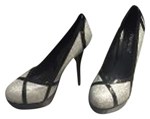 ShoeDazzle Dazzle Stiletto Closed Toed Silver and Black Pumps