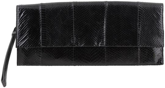 Preload https://img-static.tradesy.com/item/3888895/badgley-mischka-reese-snake-skin-black-leather-clutch-0-2-540-540.jpg
