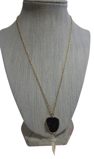 Preload https://item5.tradesy.com/images/natural-crystal-stone-onyx-ellis-druzy-necklace-3889564-0-0.jpg?width=440&height=440