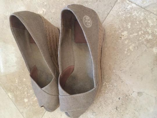 Tory Burch Natural/Gray Wedges