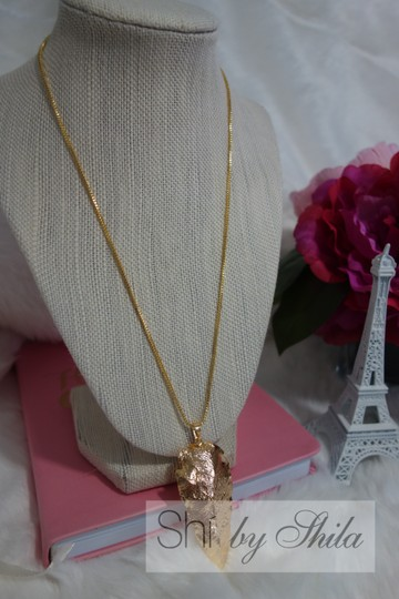 """Other """"RoseBell"""" Golden Arrow Necklace"""