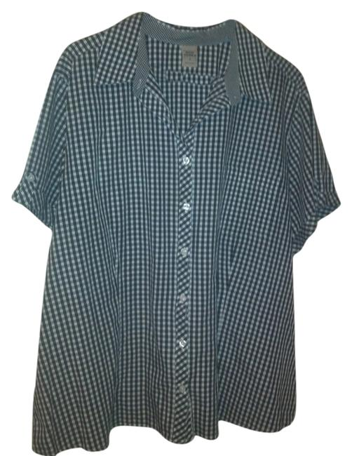 Preload https://item3.tradesy.com/images/high-sierra-black-and-white-button-down-top-size-26-plus-3x-3892132-0-0.jpg?width=400&height=650