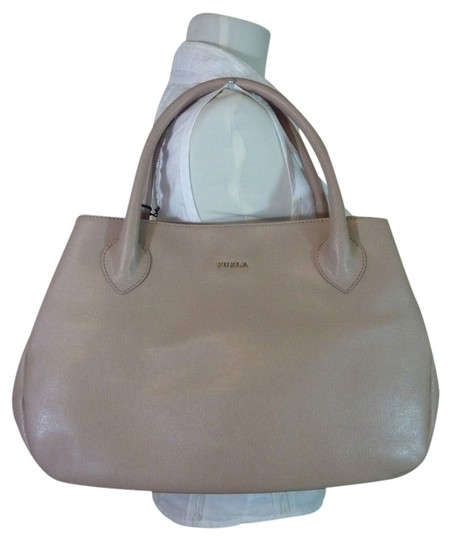Preload https://item2.tradesy.com/images/furla-soft-almond-giselle-beige-saffiano-leather-tote-3893041-0-0.jpg?width=440&height=440