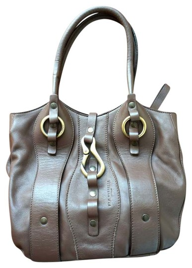 Preload https://item5.tradesy.com/images/nannini-brown-leather-shoulder-bag-389429-0-0.jpg?width=440&height=440