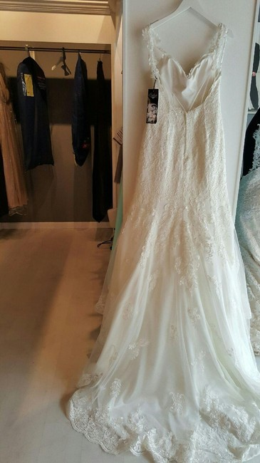 Item - Ivory Lace and Tulle Over Ivory Lustre Satin 6064 Sexy Wedding Dress Size 8 (M)