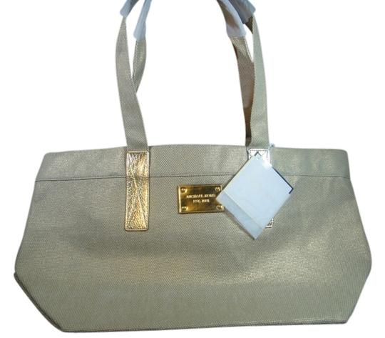 Preload https://img-static.tradesy.com/item/3898087/michael-kors-shopping-weekend-work-or-travel-gold-new-with-tag-tote-0-0-540-540.jpg