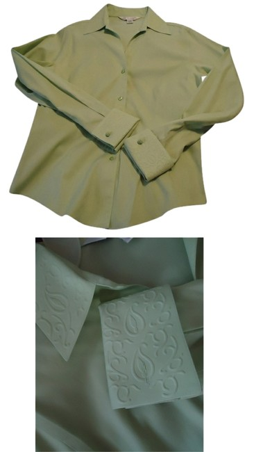 Casual Corner Pale Lime Green Embossed Design ~ No Iron ~ Blouse Size 10 (M) Casual Corner Pale Lime Green Embossed Design ~ No Iron ~ Blouse Size 10 (M) Image 1