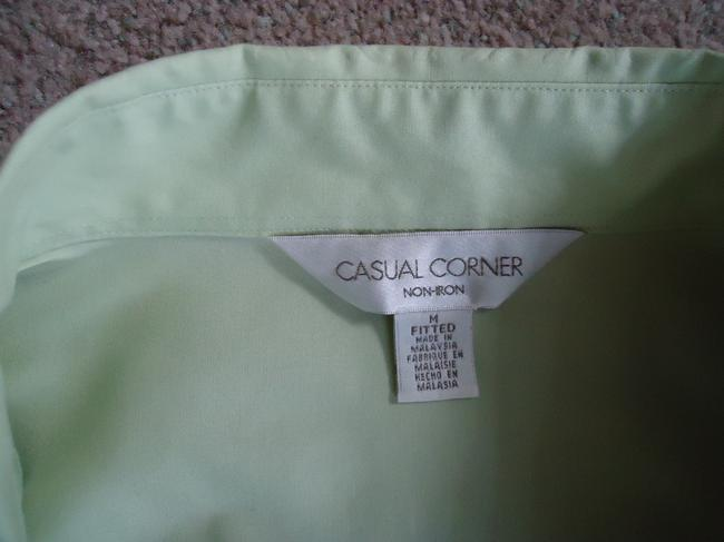 Casual Corner Top pale lime green Image 3