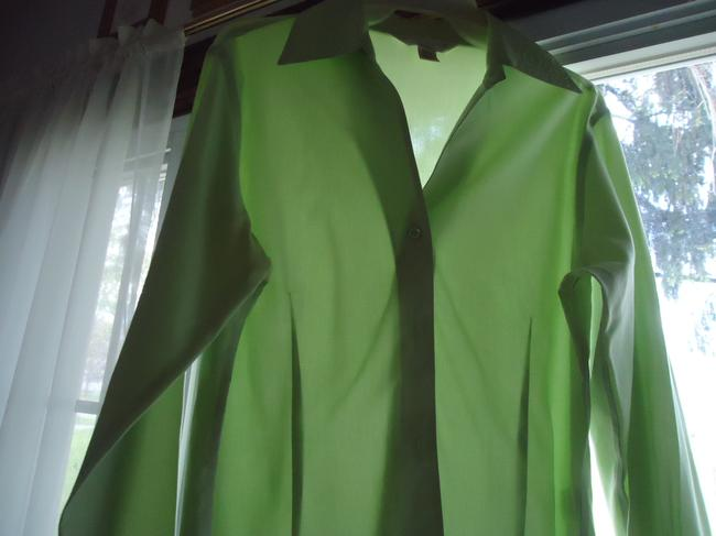 Casual Corner Top pale lime green Image 5