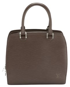 Louis Vuitton Satchel in Mocha