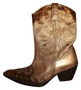 Vaneli brown Boots