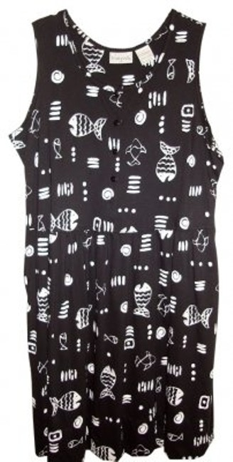 Preload https://item4.tradesy.com/images/basic-editions-plus-blackwhite-bold-print-jumper-mid-length-short-casual-dress-size-20-plus-1x-39008-0-0.jpg?width=400&height=650