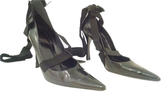 Preload https://item1.tradesy.com/images/gucci-ankle-strap-closed-toe-black-pumps-3901555-0-0.jpg?width=440&height=440