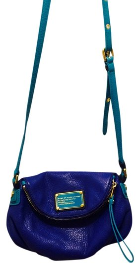 Marc by Marc Jacobs Pebbled Leather Shoulder Strap Magnetic Closure Cross Body Bag Image 2