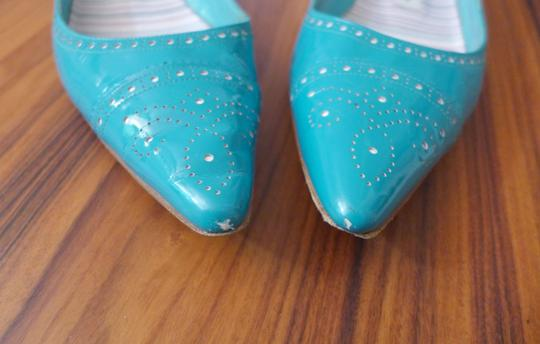 Manolo Blahnik White Patent Leather Pointy Toe Blue Turquoise Flats Image 2