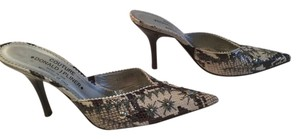 Donald J. Pliner Black and cream Mules