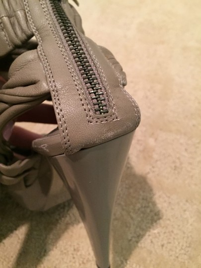Burberry Leather Statement Beige Pumps