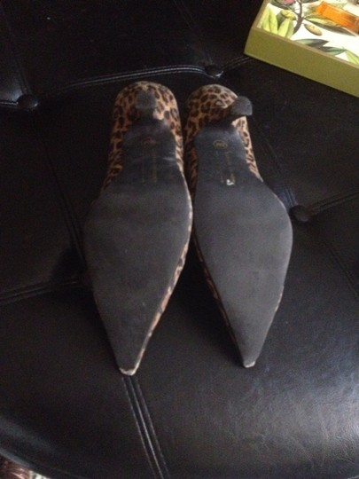 Chinese Laundry Leopard Print Pumps