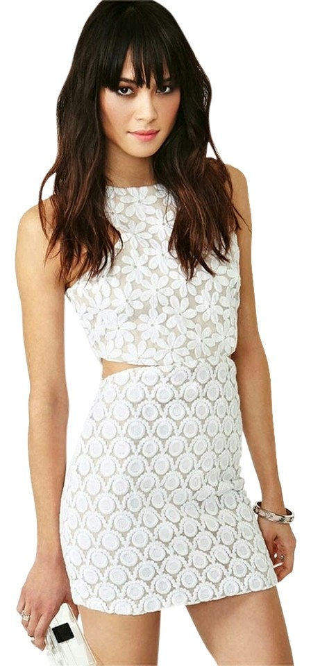 116776ddb038 shakuhachi White New Romantics Daisy & Dots Embroidered Cut-out Short  Casual Dress. Size: 8 (M) ...