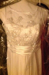 White Chifon Formal Wedding Dress Size 6 (S)
