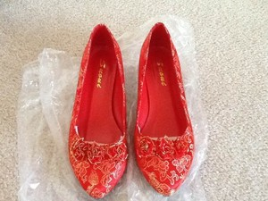 Red .5 Heels Pumps Size US 6.5 Regular (M, B)