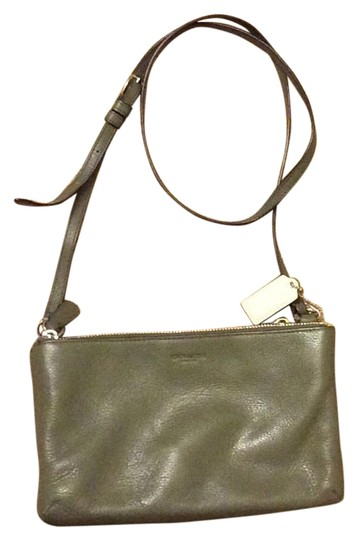 Preload https://item1.tradesy.com/images/coach-lyla-double-gusset-oliver-grey-leather-cross-body-bag-3915565-0-3.jpg?width=440&height=440