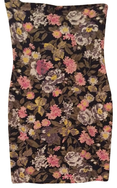 Preload https://item4.tradesy.com/images/minkpink-black-floral-strapless-night-out-dress-size-0-xs-3915598-0-0.jpg?width=400&height=650