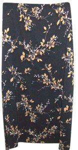 Geoffrey Beene An A-frame Skirt Black with flowers