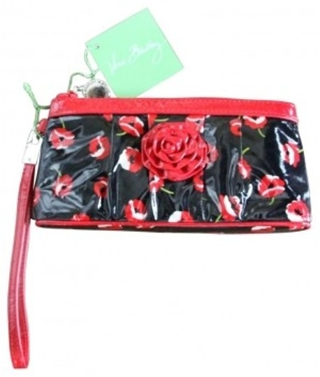 Vera Bradley Wristlet in black/red