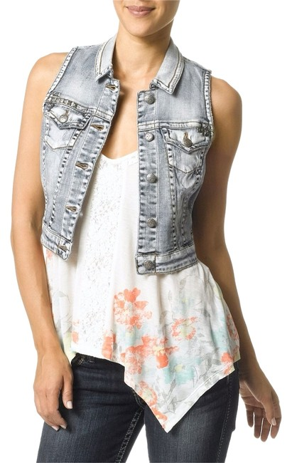 Preload https://item5.tradesy.com/images/silver-jeans-co-vest-size-2-xs-3918589-0-0.jpg?width=400&height=650