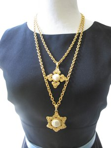 Chanel AUTH.VINTAGE GOLD CHANEL DOUBLE NECKLACE & PENDANTS