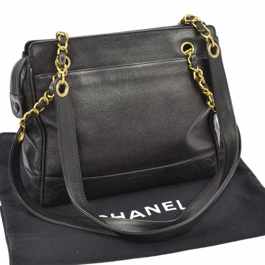 Preload https://img-static.tradesy.com/item/3921262/chanel-gold-chain-black-caviar-leather-shoulder-bag-0-9-540-540.jpg