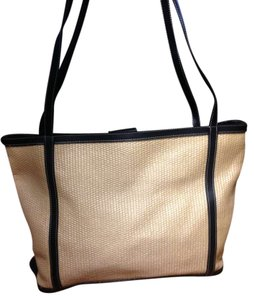 Maxx New York Yor Shoppers Purse Tote in Tan / Black