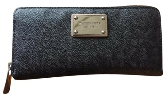 Preload https://img-static.tradesy.com/item/3922219/michael-kors-dark-gray-perfect-leather-wallet-0-0-540-540.jpg