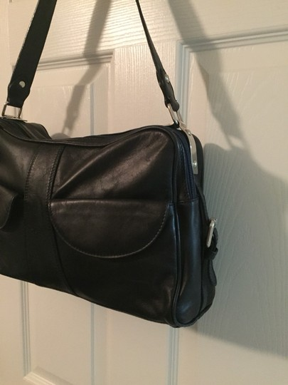 I Santi Shoulder Bag