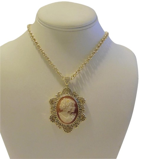Preload https://item5.tradesy.com/images/amedeo-goldtone-two-sisters-uncinetto-cameo-frame-pendant-wchain-necklace-3922489-0-1.jpg?width=440&height=440