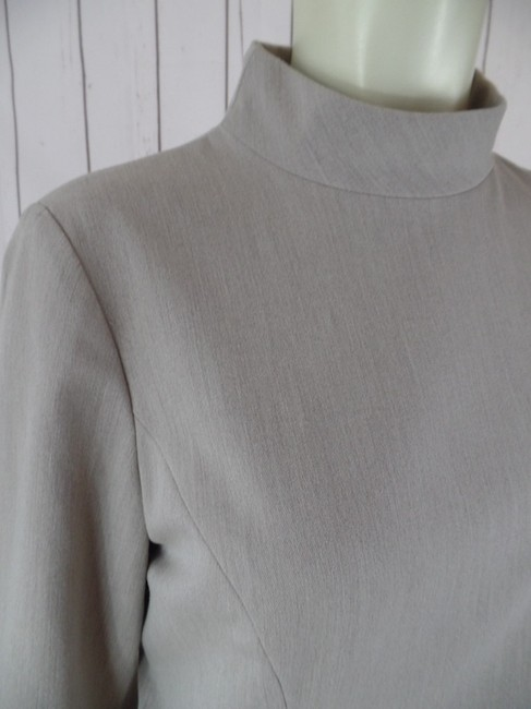 Ann Taylor Size 6 3/4 Sleeves Stretch Polyester Rayon Spandex Lined Seamed Princess Lines Half Back Zip Chic Collar Pullover Top Taupe Heather