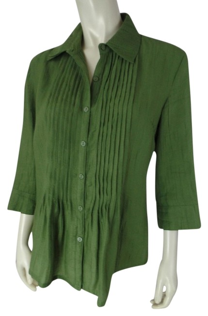 Preload https://item3.tradesy.com/images/green-small-button-front-shirt-34-sleeves-pintuck-pleats-textured-bamboo-poly-blend-blouse-size-6-s-3924997-0-0.jpg?width=400&height=650