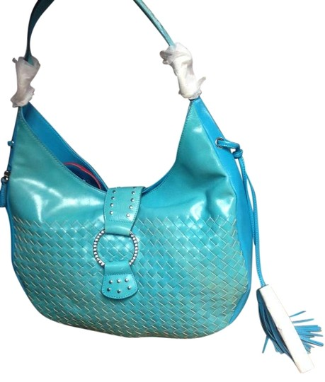 Preload https://img-static.tradesy.com/item/392702/woven-purse-with-tassels-blue-leather-hobo-bag-0-0-540-540.jpg