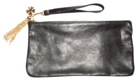 Preload https://img-static.tradesy.com/item/39281/moss-mills-wristletclutch-black-leather-wristlet-0-0-540-540.jpg