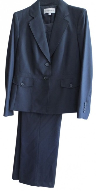 Preload https://item1.tradesy.com/images/jones-new-york-navy-never-worn-pant-suit-size-12-l-39315-0-0.jpg?width=400&height=650