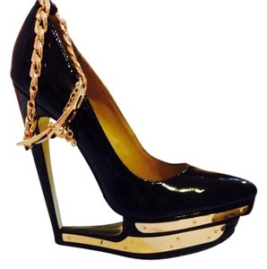 Bakers Black With Gold Pumps