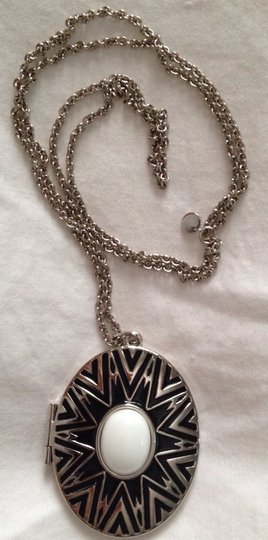 House of Harlow 1960 2 Sides Silver Pendant Necklace Image 2