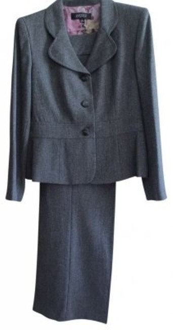 Preload https://item1.tradesy.com/images/kasper-black-and-white-looks-gray-pant-suit-size-12-l-39325-0-0.jpg?width=400&height=650
