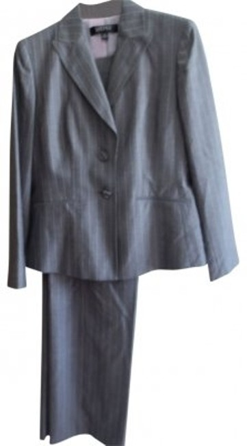 Preload https://item4.tradesy.com/images/kasper-gray-with-pink-pinstripes-pant-suit-size-12-l-39328-0-0.jpg?width=400&height=650
